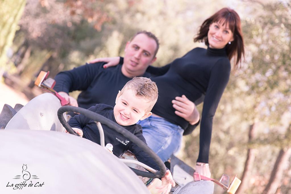 Grossesse-famille-tracteur