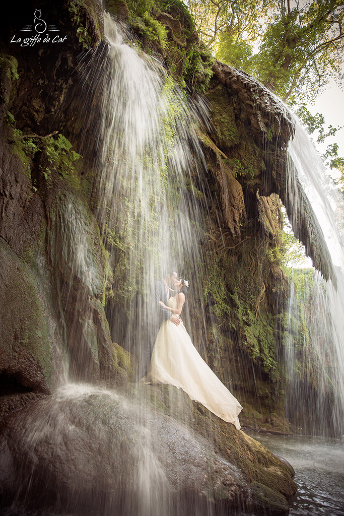 Trash_the_dress-cascade-sous