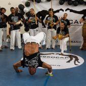 capoeira festival roda equilibre
