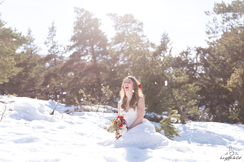 La griffe de Cat trash the dress neige