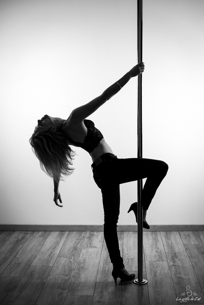 glamour-pole-dance